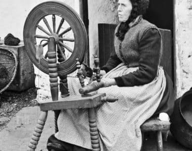 Kilkenny Women Flax-spinners in 1827